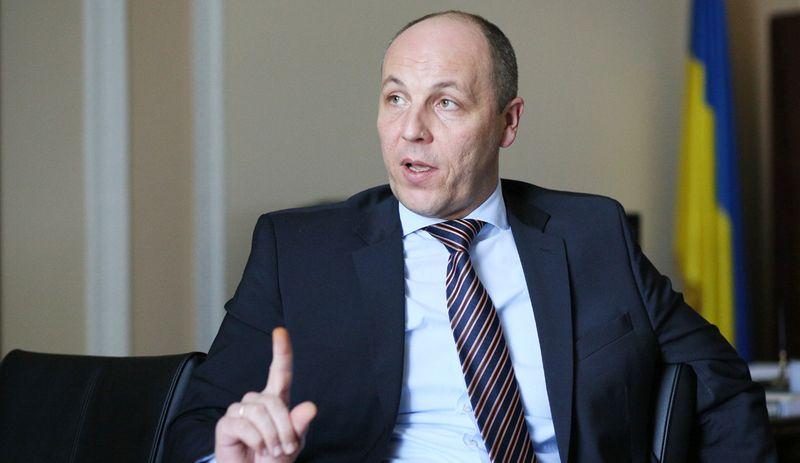 Парубій закликав позбавити ліцензії український телеканал за спробу провести телеміст з Росією