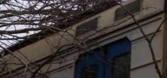 В Украине из-за непогоды нарушена работа железнодорожного сообщения. Фото