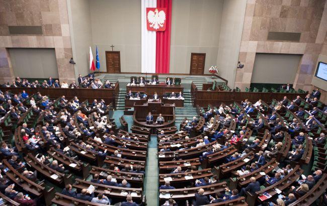 В Польше из-за коронавируса  выборы президента планируют провести по почте