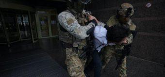 В Сеть выложили интервью захватчика банка в Киеве. Видео