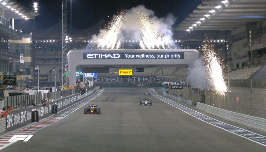 В Абу-Даби завершился очередной сезон Формулы-1